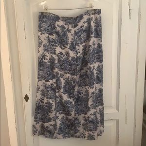 Blue and White Print Silky Skirt